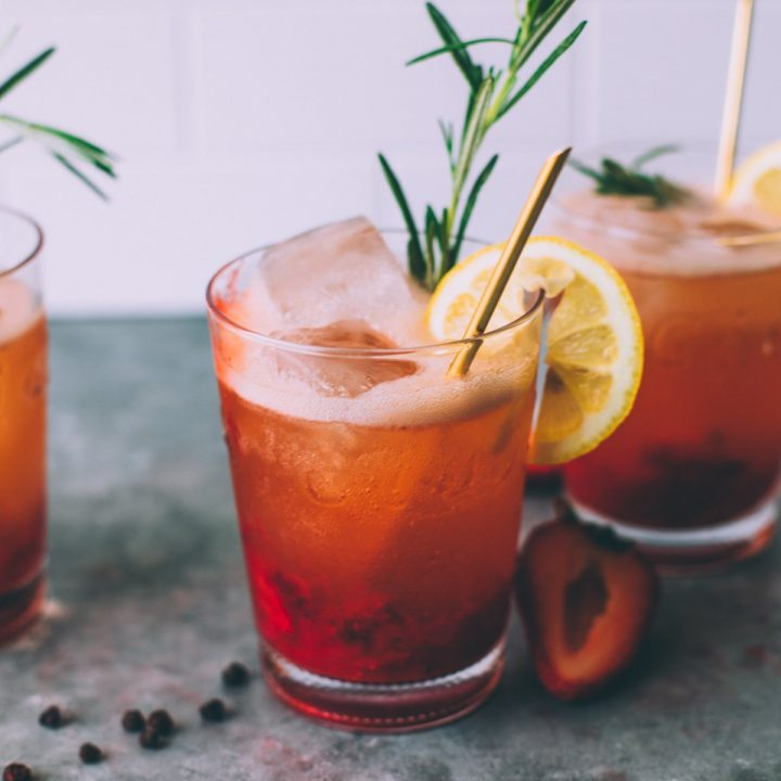 Strawberry Lemonade with Schisandra Berries